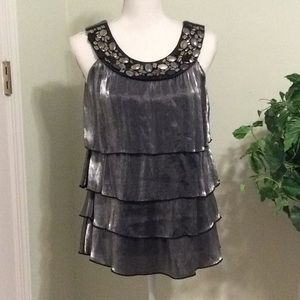 ❤️EUC GRAY shimmering sleeveless tiered blouse